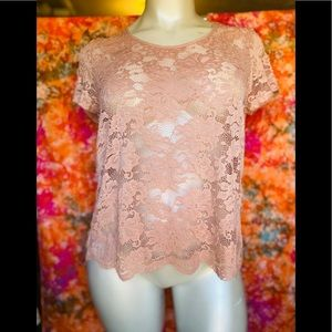 AMBIANCE PINK LACE OPEN BACK TOP❤️